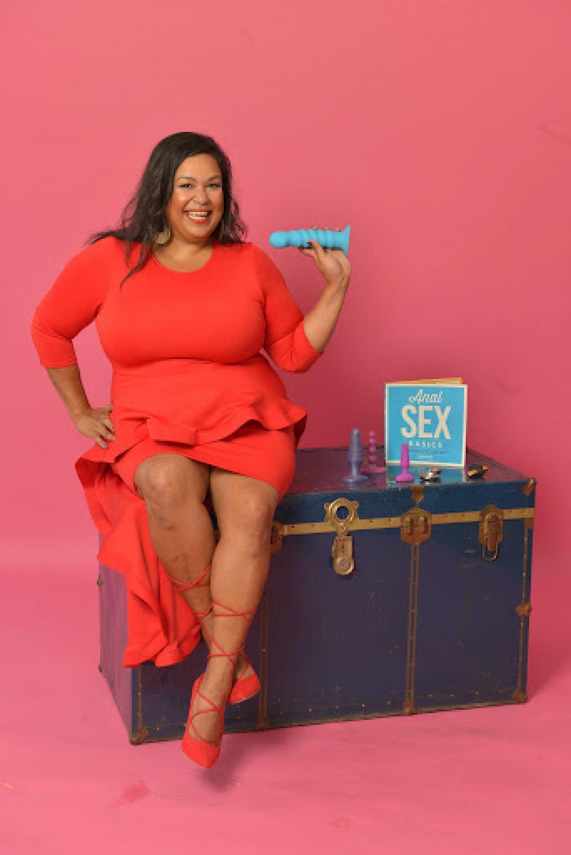 Luna Matatas Sex Educator Anal Toys Trunk