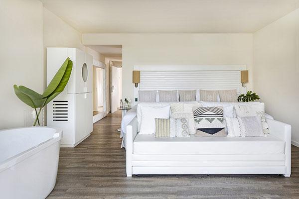 ibiza-room-5-chic-suite-3